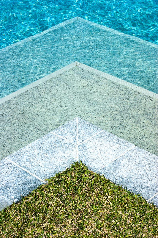 pool-water-triangles